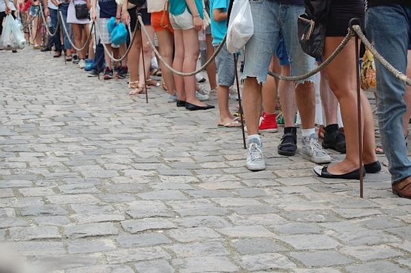 Another long queue. Credit: Pixabay