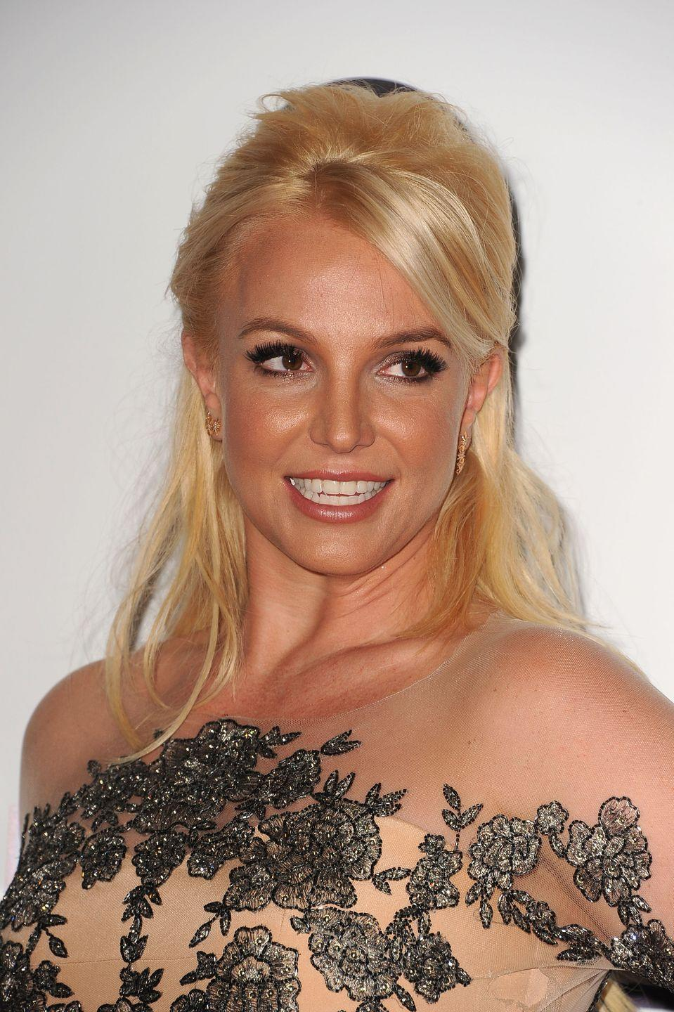 <p>Just when I thought Britney couldn't surprise me anymore, she wore a bouffant (a bouffant!) to the People's Choice Awards. </p>
