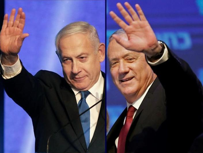 Israeli Prime Minister Benjamin Netanyahu (L) has agreed a new unity government with former rival Benny Gantz, putting an end to the country's longest political crisis (AFP Photo/Emmanuel DUNAND, Menahem KAHANA)