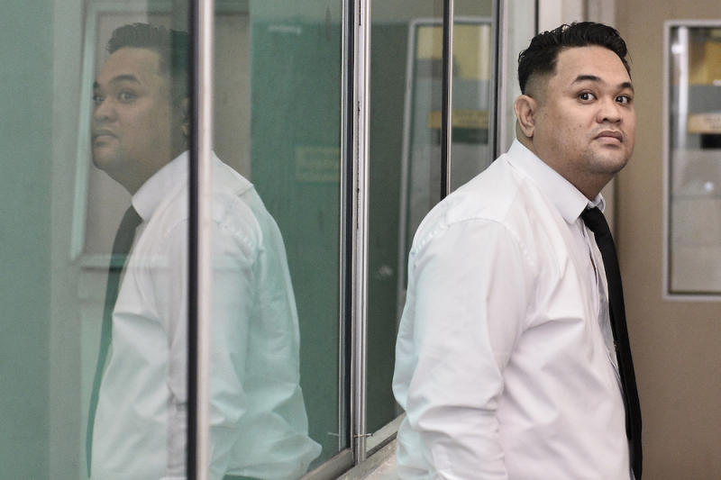 Witness Corporal Jumardi Mursalim attends the murder trial of Samirah Muzaffar, who is accused of killing her husband, Cradle Fund CEO, Nazrin Hassan, at the Shah Alam High Court September 6, 2019. — Picture by Miera Zulyana