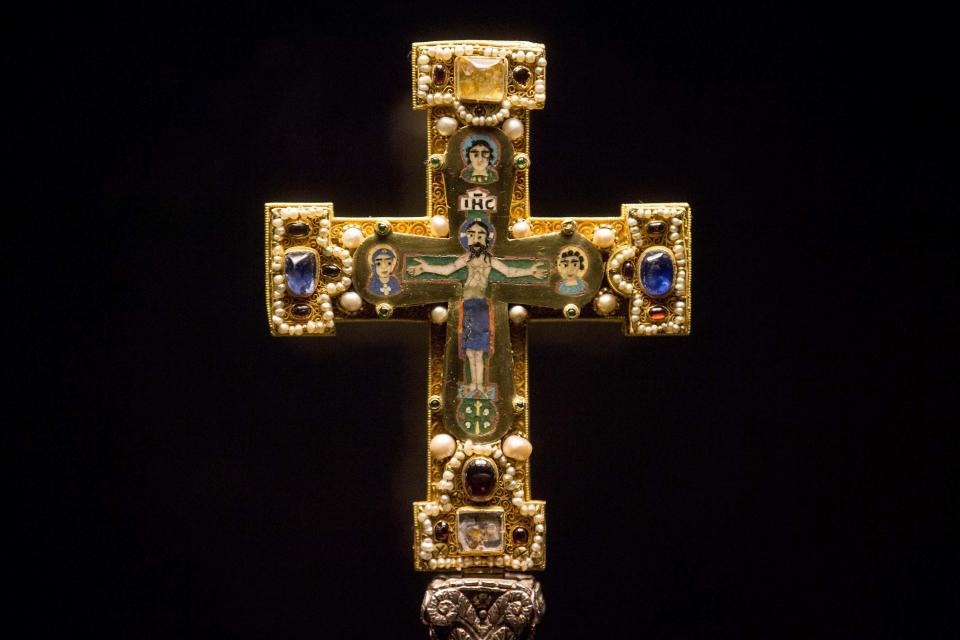 FILE - In this Jan. 9, 2014, a medieval Cross, part of the Welfenschatz, or Guelph Treasure, is displayed at the Bode Museum in Berlin. Ruling in a multi-million dollar dispute over a collection of medieval religious artworks, the Supreme Court made it harder Wednesday for certain lawsuits over property taken from Jews during the Nazi era to be brought in U.S. courts. The justices sided with Germany in a dispute involving the heirs of Jewish art dealers and the 1935 sale of a collection of Christian artwork called the Guelph Treasure. ( AP Photo/Markus Schreiber)
