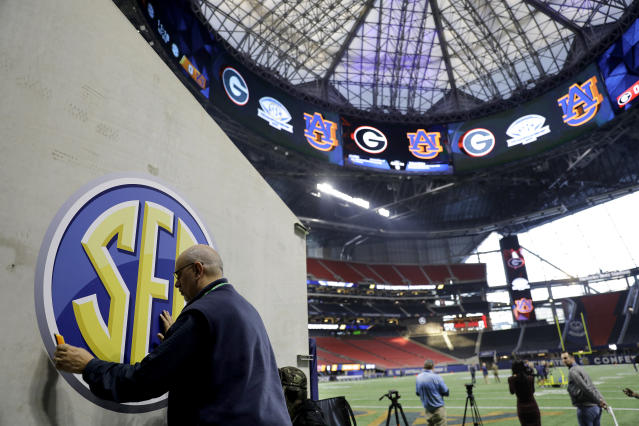 Average conference revenues for SEC teams increased by $500,000 in 2016-17. (AP)