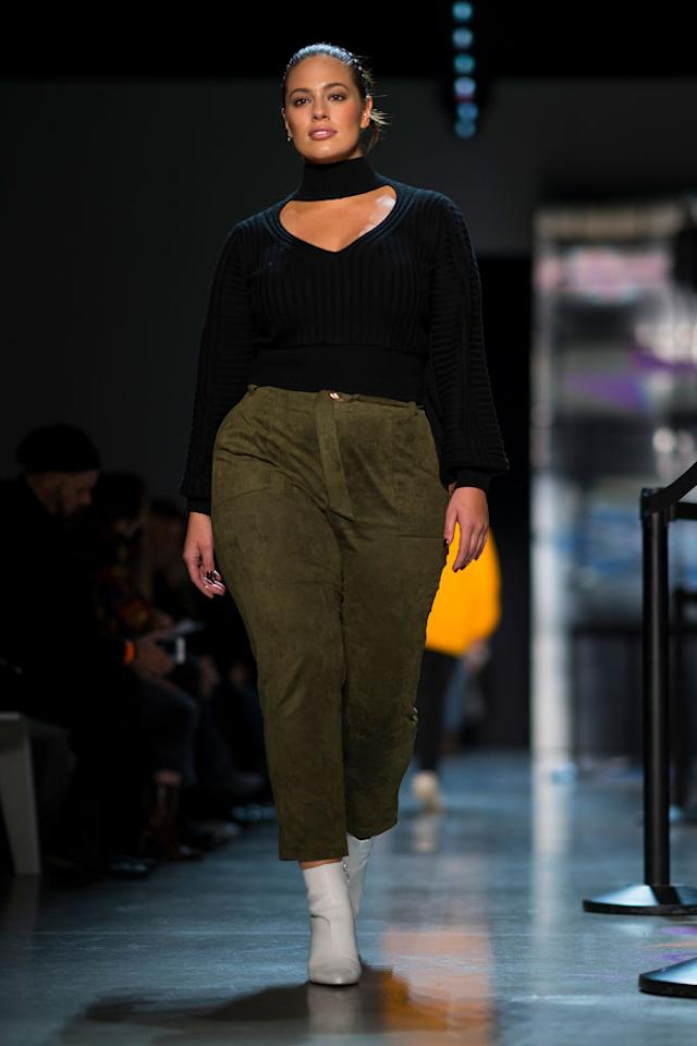 <p>Before the live Prabal Gurung runway show, Graham looked comfy and chic practicing her walk. (Photo: Getty Images) </p>