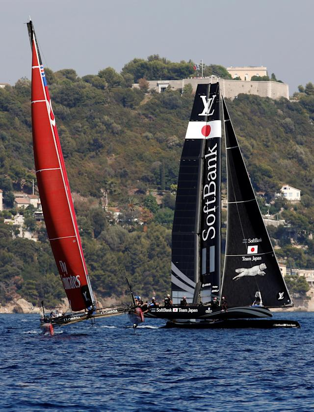 France Sailing - Louis Vuitton America's Cup World series - Toulon, France - 10/09/2016. Emirates Team New Zealand (L) and Softbank Team Japan in action during Day One. REUTERS/Jean-Paul Pelissier