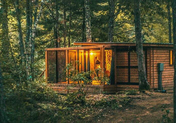 """<p><strong>Best for:</strong> Families who want to feel like they're at summer camp</p> <p>Though the beaches of Southern Maine—including Kennebunkport and Ogunquit—are less than 30 minutes away, you may never want to leave the grounds of Sanford-based glamping resort <a href=""""https://cna.st/affiliate-link/4jjCSCMwBp42Rbu1UzroBy7D5A8hDphCFkenYACYqRMDVmkmUm1nbSaN4LrKmbEEKATdkQYEJt2dbG8aWUunNqDTnKP4tBZF9FrU3X7EpB3y3emVtht?cid=6073676c25f64450f3404888"""" rel=""""nofollow noopener"""" target=""""_blank"""" data-ylk=""""slk:Huttopia"""" class=""""link rapid-noclick-resp"""">Huttopia</a>. Situated on 40 wooded acres, the property has a heated outdoor pool, plus a tree-lined, freshwater pond perfect for practicing cannonballs, paddling a canoe, or playing on the sandy shore. A host of activities will keep the whole family entertained, from the kids club, where five- to 12-year-olds can treasure hunt and do crafts, to lawn games, pottery workshops, and nightly outdoor movies or magic shows. If reading and lounging are more your speed, Adirondack chairs and hammocks dot the property. Accommodations, from wood and canvas tents to tiny houses, all have electricity and are dog-friendly. </p> <p><strong>Book now:</strong> <a href=""""https://cna.st/affiliate-link/9DMYJr9yzEA9KPkWuT231y8Bp2jXVF5y3nfzirwGCHm3rkJ97QRkMPM2b5qnP1843xg9hbuuFKAHhiw9naAisSvLYSiq4RcimVLnHzs9JaV2rZPgvDWvBRGJad9?cid=6073676c25f64450f3404888"""" rel=""""nofollow noopener"""" target=""""_blank"""" data-ylk=""""slk:From $120 per night, booking.com"""" class=""""link rapid-noclick-resp"""">From $120 per night, booking.com</a></p>"""