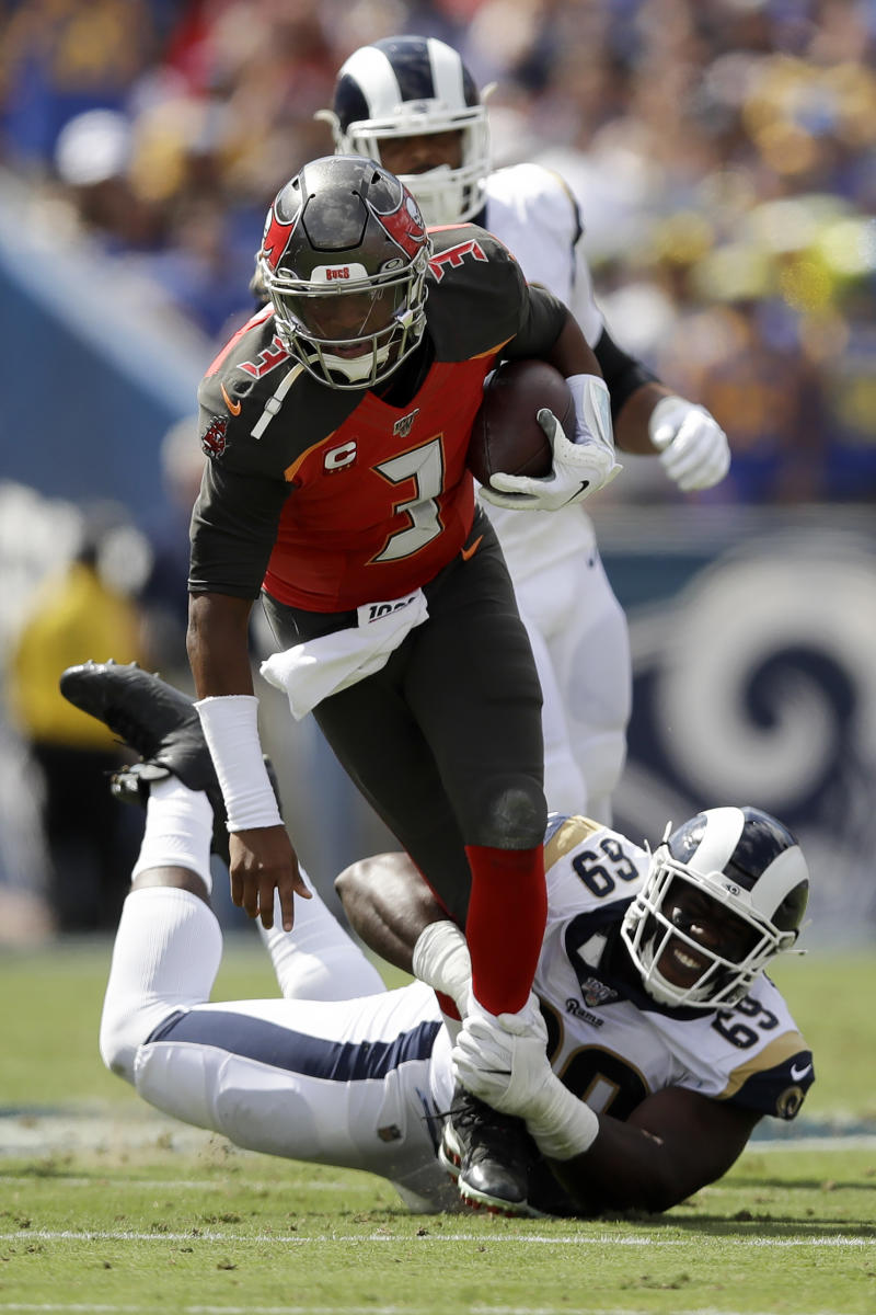 Winston's improved play has Bucs off to 2-2 start