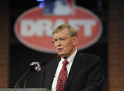 Commissioner of Major League Baseball Bud Selig announces the selections during the 2014 MLB baseball draft Thursday, June 5, 2014, in Secaucus, N.J. (AP Photo/Bill Kostroun)