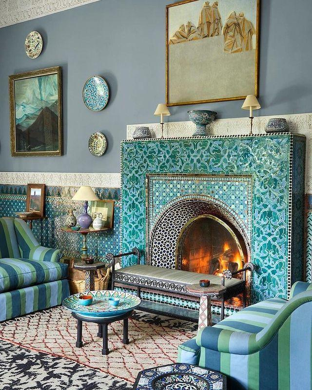 "<p>Architect Bill Willis helped Yves Saint Laurent and Pierre Bergé refine the architecture of the blue salon in their Marrakech home, creating a vivacious seating area that puts a twist on the traditional charm.</p><p><a class=""link rapid-noclick-resp"" href=""https://www.elledecor.com/celebrity-style/celebrity-homes/a22590268/yves-saint-laurent-marrakech-home-villa-oasis/"" rel=""nofollow noopener"" target=""_blank"" data-ylk=""slk:TOUR THE HOME"">TOUR THE HOME</a></p><p><a href=""https://www.instagram.com/p/CIwdz89HSBG/"" rel=""nofollow noopener"" target=""_blank"" data-ylk=""slk:See the original post on Instagram"" class=""link rapid-noclick-resp"">See the original post on Instagram</a></p>"