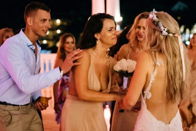 Jess had no idea her boyfriend was about to propose [Photo: Ross Dance Photography]