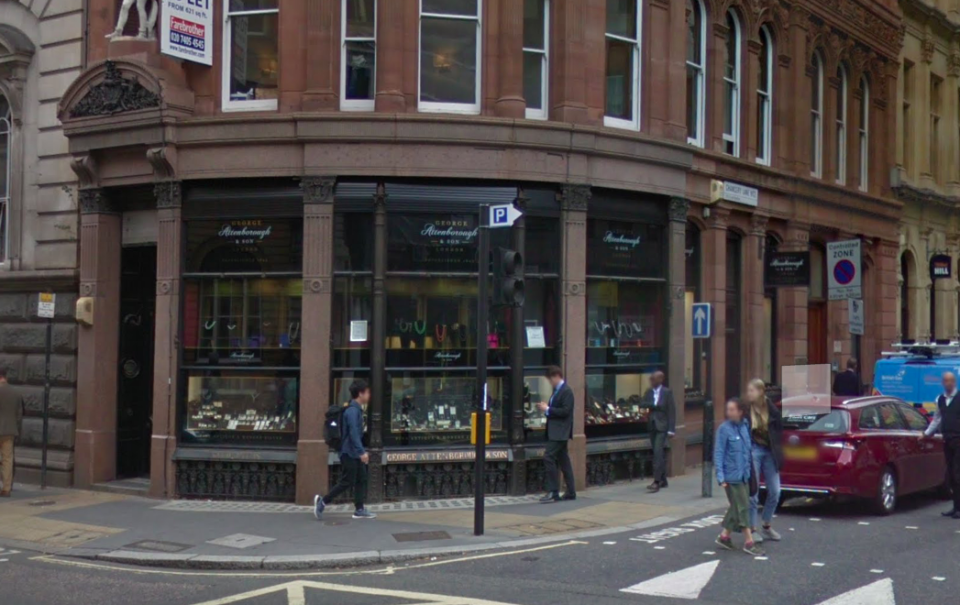 <em>The shop is situated on Fleet Street in the heart of Central London (Google)</em>