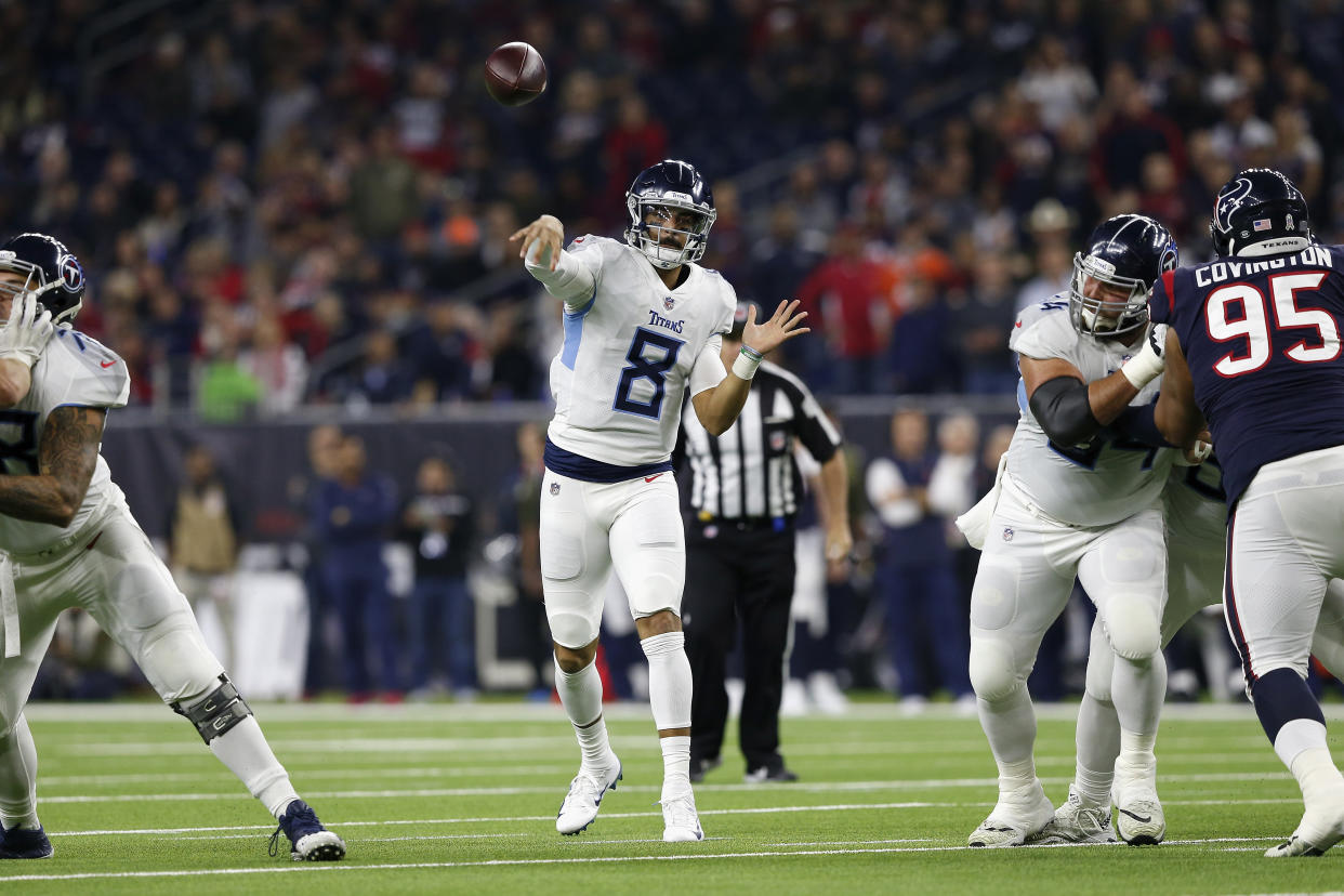 3c5b5de8 Marcus Mariota posts 2nd-most accurate performance in NFL history in loss  to Texans