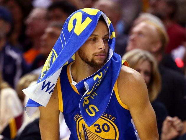 "<a class=""link rapid-noclick-resp"" href=""/nba/players/4612/"" data-ylk=""slk:Stephen Curry"">Stephen Curry</a>, about to sit. (Getty Images)"