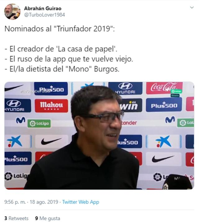 "Algunos tuiteros aprovecharon para bromear con el look del técnico argentino. (Foto: Twitter / <a href=""http://twitter.com/TurboLover1984/status/1163177849601306625"" rel=""nofollow noopener"" target=""_blank"" data-ylk=""slk:@TurboLover1984"" class=""link rapid-noclick-resp"">@TurboLover1984</a>)."
