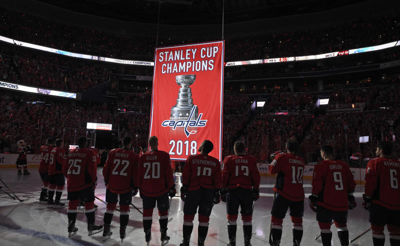 6f1c1e2bb59 Capitals open Stanley Cup defense with 7-0 rout of Bruins