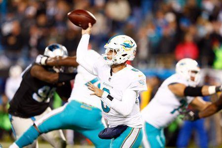 Nov 13, 2017; Charlotte, NC, USA; Miami Dolphins quarterback Jay Cutler (6) passes the ball in the second quarter against the Carolina Panthers at Bank of America Stadium. Jeremy Brevard-USA TODAY Sports