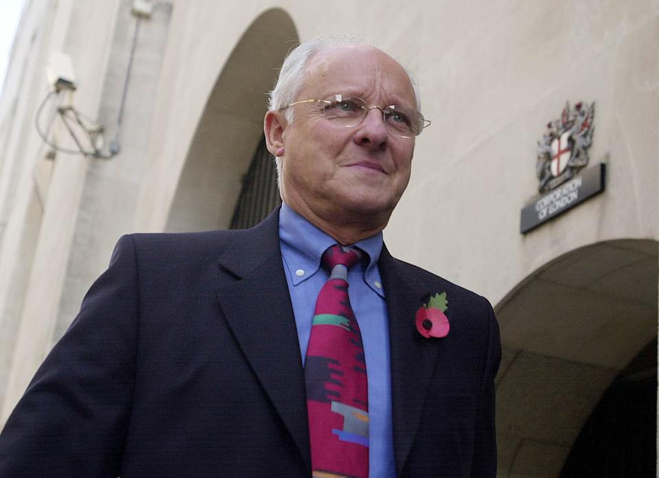 Dickie Arbiter, a former press officer at Buckingham Palace, arrives at the Old Bailey, London, where he was expected to give evidence in the trial of Paul Burrell, the former butler to the Princess of Wales, who faces three charges of theft.  *   after police discovered more than 300 items belonging to the late princess and her family.   (Photo by PA Images via Getty Images)
