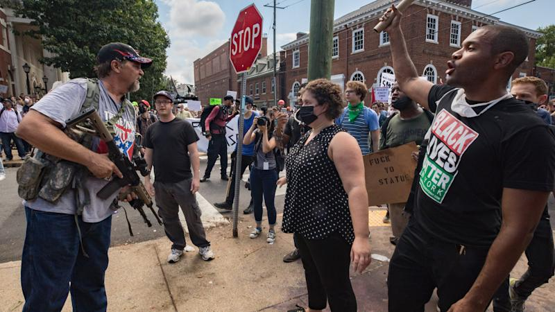"""Clashes at the """"Unite the Right"""" rally in Charlottesville, Va., Aug. 12, 2017. (Photo: Evelyn Hockstein/For The Washington Post via Getty Images)"""