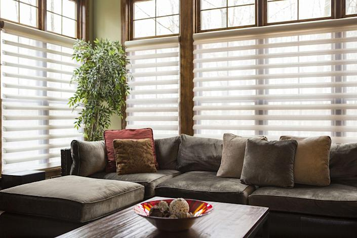 <p>One minute your blinds are brand new and the next they're discolored and looking worse for wear. Fortunately, it's mostly dust. </p><p><strong>How to clean</strong>: You can use either a blind duster or a soft microfiber cloth to clean them off. Plastic blinds can soak in a tub of soapy water for a more thorough cleaning, while wooden blinds can be vacuumed and cleaned with a spray cleaner.</p>