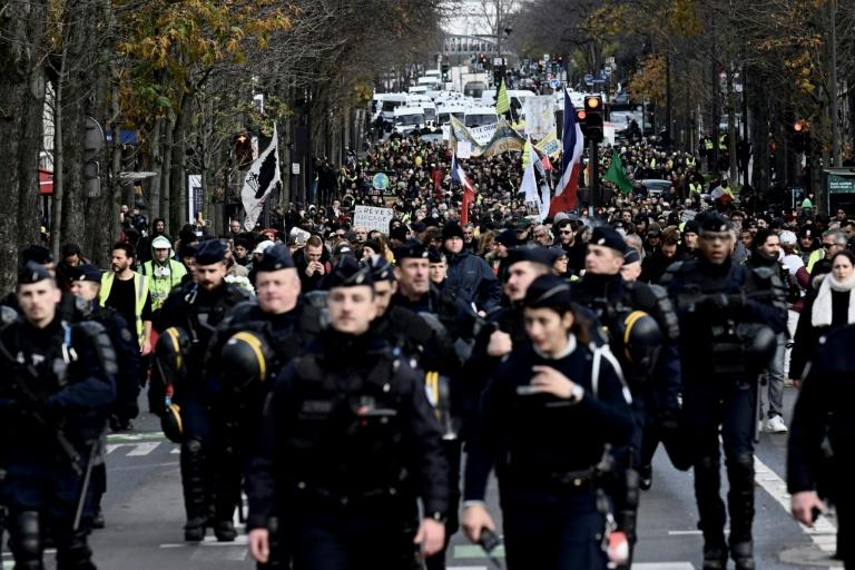 The yellow vests have sought to utilise the momentum of the strike movement and held a new protest in Paris on Saturday