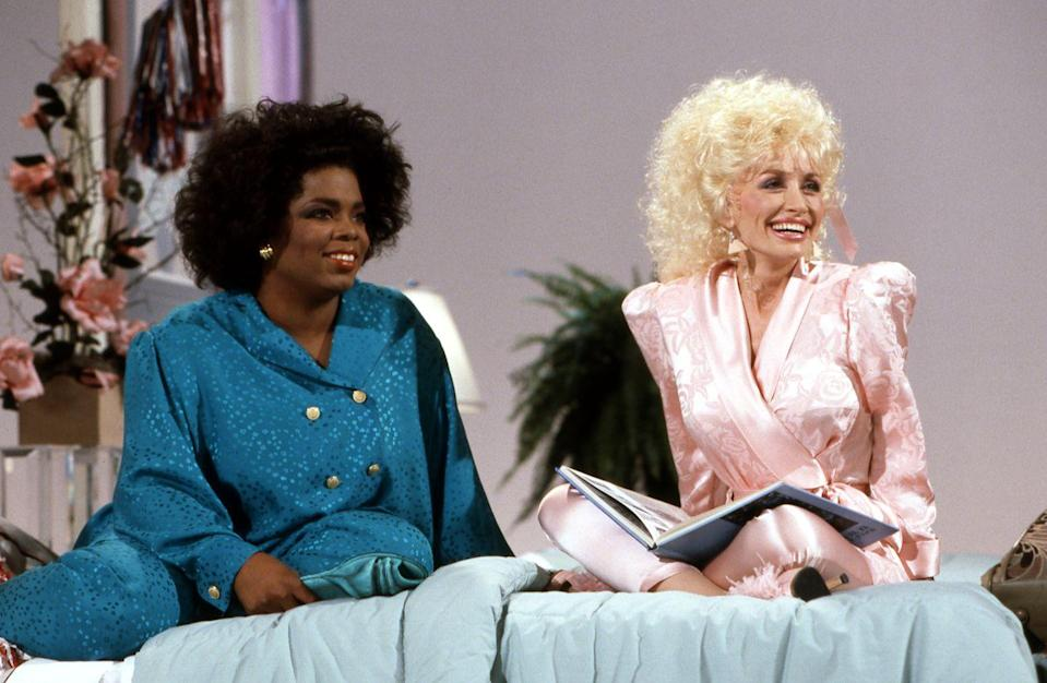 "<p>Oprah Winfrey comes on the <em>Dolly </em>show as a guest. During the episode, the two icons sang ""This Little Light of Mine"" together. </p>"