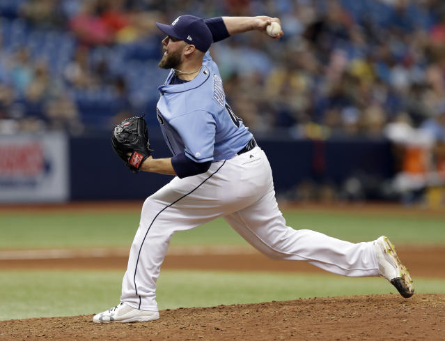 Free agent reliever Tommy Hunter landed a two-year deal with the Phillies. (AP)