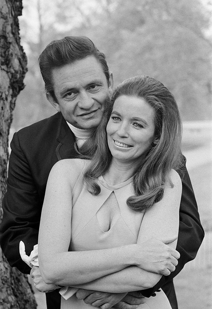 Johnny cash and june carter cash 39 s love story for Pictures of johnny cash and june carter