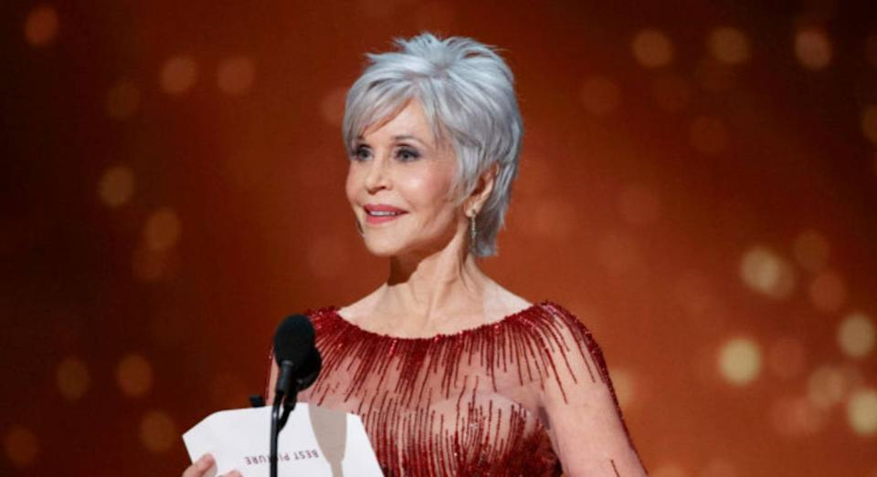 Jane Fonda wears affordable L'Oreal mascara to the Oscars (Getty Images)