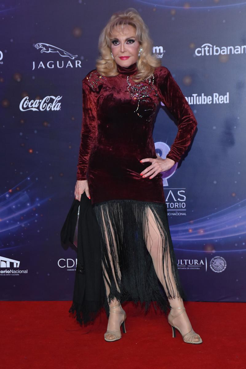 MEXICO CITY, MEXICO - OCTOBER 31: Merle Uribe poses for photos on the red carpet before the XVII Lunas del Auditorio award ceremony at Auditorio Nacional on October 31, 2018 in Mexico City, Mexico. (Photo by Carlos Tischler/Getty Images)