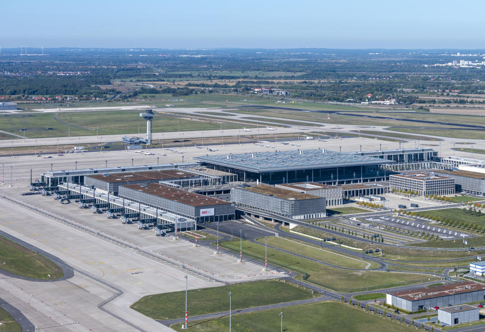 Aerial view of new Berlin airport from 22 September 2019. Photo: Günter Wicker/ Flughafen Berlin-Brandenburg GmbH
