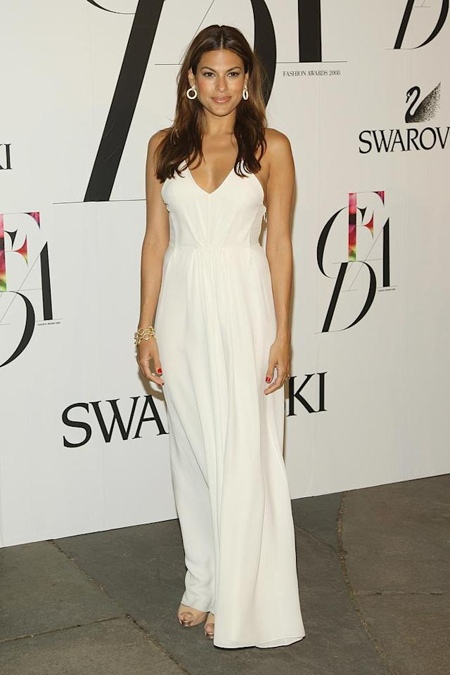 """Eva Mendes was a vision in white as she arrived at the CFDA Fashion Awards, which were held at the New York Public Library in Manhattan. Stephen Lovekin/<a href=""""http://www.gettyimages.com/"""" target=""""new"""">GettyImages.com</a> - June 2, 2008"""