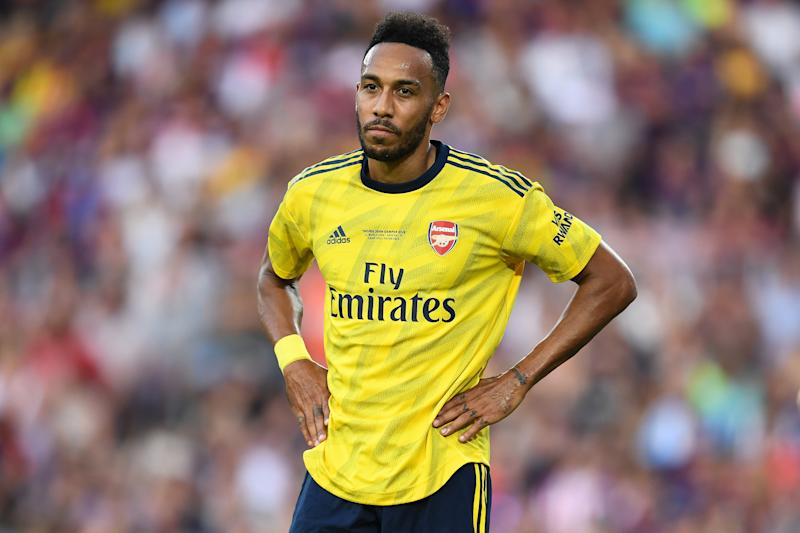Arsenal's away kit is a modern bruised banana. (Credit: Getty Images)