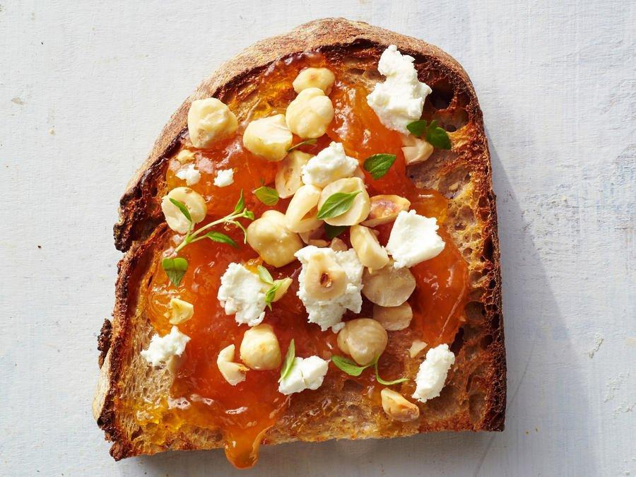 <p>This healthy toast packs tangy goat cheese, savory thyme, and sweet apricot preserves. It's the perfect meal for someone looking for a variation on typical breakfast dishes. Best of all, you can assemble it in just a few minutes! </p>