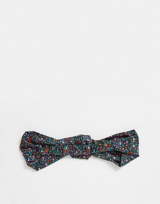 """<h2>ASOS Design Knot Headband In Ditsy Floral Print </h2> <br>Though many knotted bands in luxe fabrics are on the higher end of the price spectrum, there are budget-friendly options that only <em>look</em> expensive from ASOS. Case in point: This chic floral-printed one that'll bring some spring into your step. <br><br><strong>ASOS DESIGN</strong> ASOS DESIGN knot headband in ditsy floral print, $, available at <a href=""""https://go.skimresources.com/?id=30283X879131&url=https%3A%2F%2Fwww.asos.com%2Fus%2Fasos-design%2Fasos-design-knot-headband-in-ditsy-floral-print%2Fprd%2F13738833%3Fclr%3D%26colourWayId%3D16561855%26SearchQuery%3Dknotted%2520headband"""" rel=""""nofollow noopener"""" target=""""_blank"""" data-ylk=""""slk:ASOS"""" class=""""link rapid-noclick-resp"""">ASOS</a><br>"""