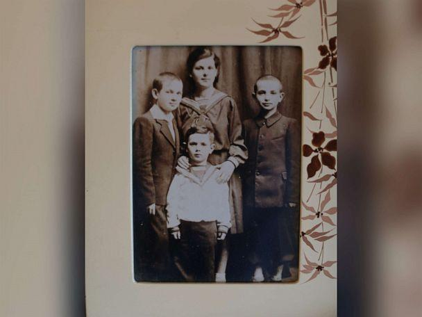 PHOTO: A childhood photo of Leon Sherman in Poland with his sister and two brothers. (Courtesy Leon Sherman)