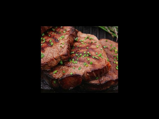<b>1. Chicken/Mutton steak </b><br> Simple to prepare, steaks can be marinated overnight and cooked in a dash of herb oil, and served with some vegetables on the side. For the uninitiated, pre-cooked steaks can also be used.