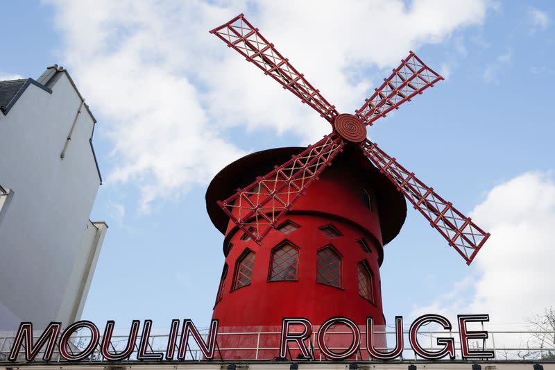 From Eiffel Tower to Moulin Rouge, Paris landmarks close in virus clampdown