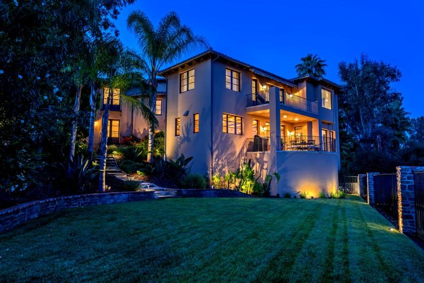 KISS lead guitarist Tommy Thayer has listed his customized home overlooking Lake Sherwood for $2.75 million. The Mediterranean villa-style house makes good use of the scenery with six separate patios. Inside, picture windows take in the view.