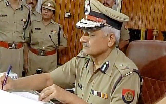 Sulkhan Singh takes charge as new UP DGP, promises zero tolerance against cow vigilantism, 'gundagardi'