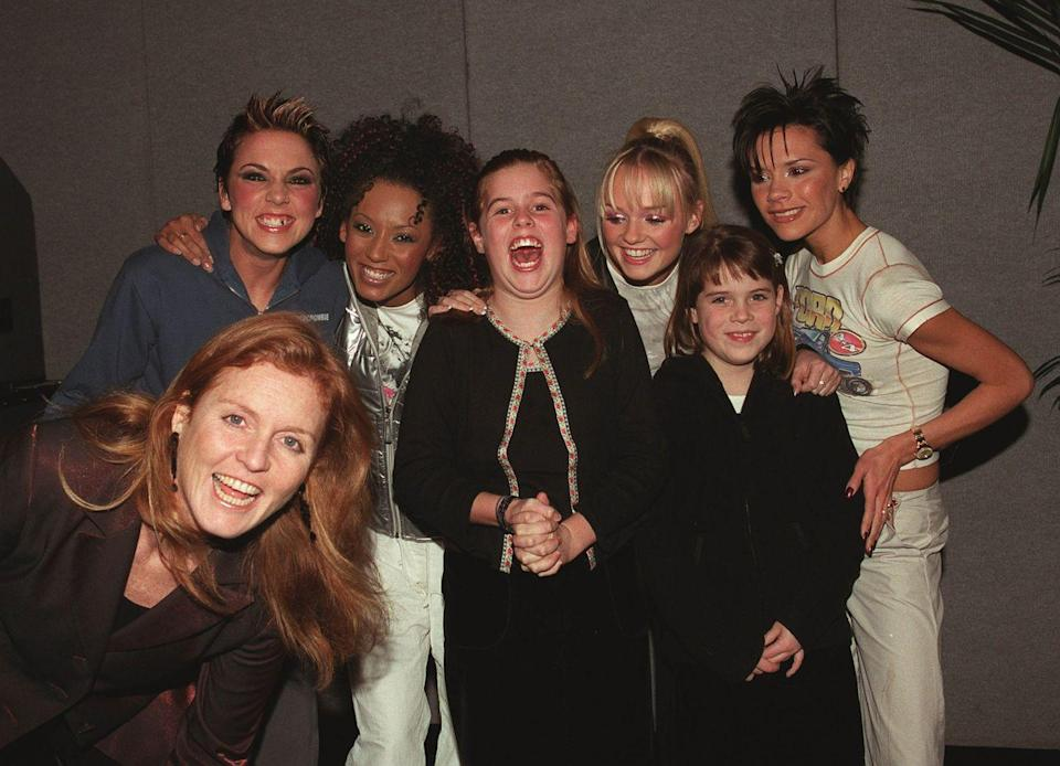 <p>The princesses and their mother meet the Spice Girls. Beatrice looks psyched! </p>