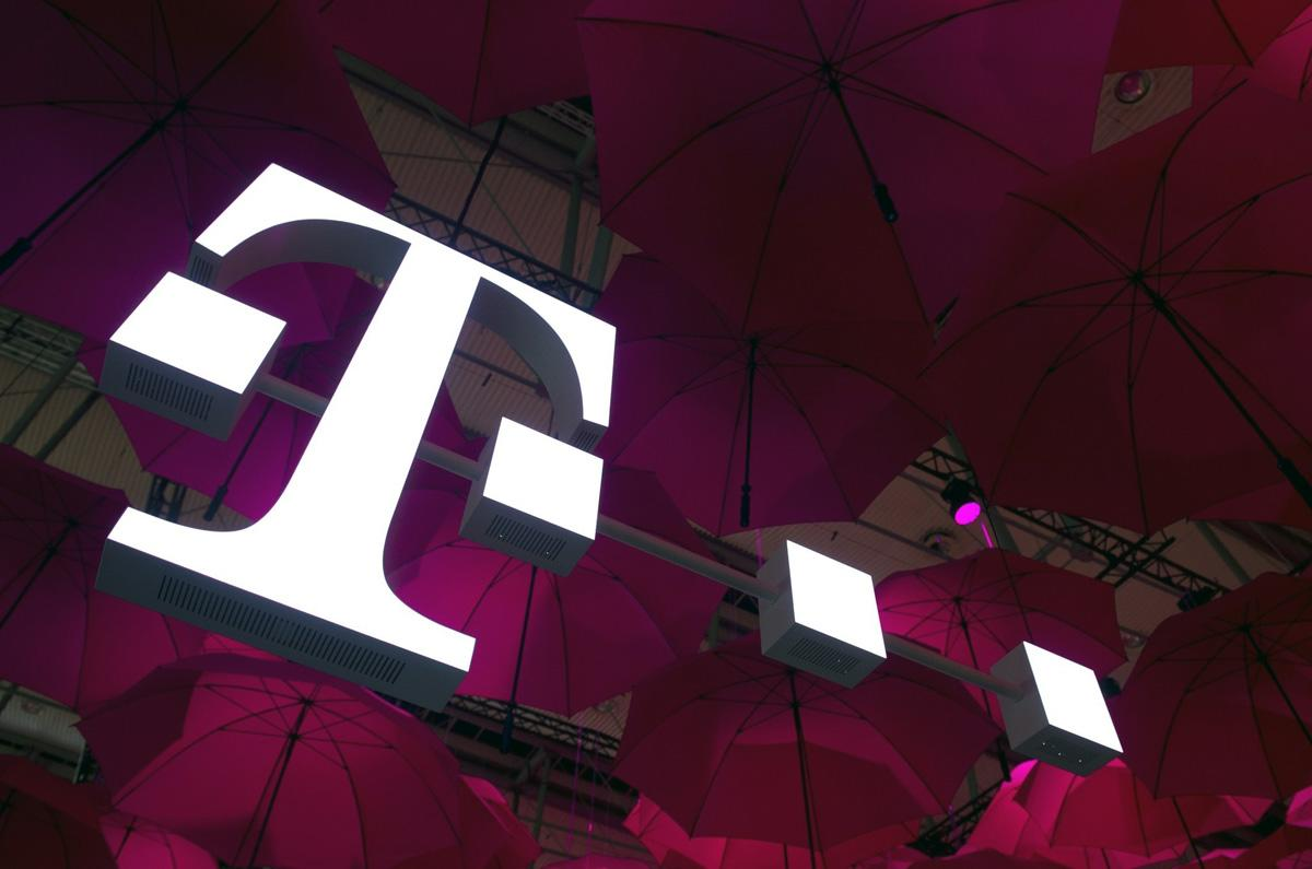T-Mobile is deploying gigabit LTE technology to fight
