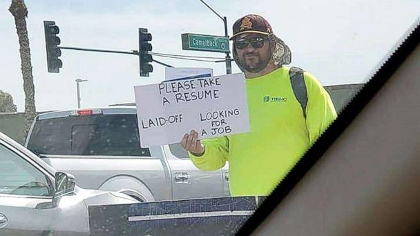 PHOTO: Patrick Hoagland received hundreds of job offers during his 3-day visits to busy intersections in Phoenix. (Melissa DiGianfilippo)
