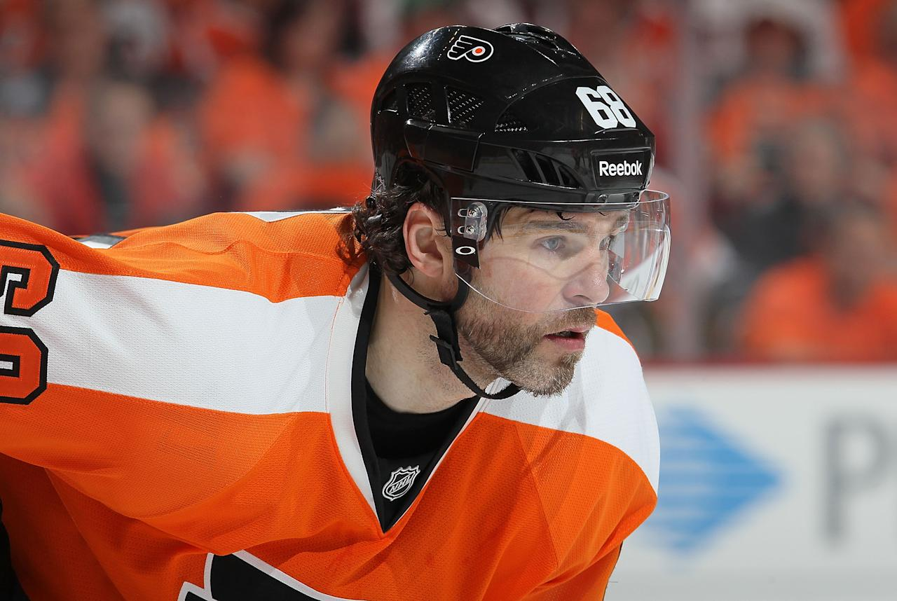 PHILADELPHIA, PA - APRIL 29:  Jaromir Jagr #68 of the Philadelphia Flyers looks on during a face off against the New Jersey Devils in Game One of the Eastern Conference Semifinals during the 2012 NHL Stanley Cup Playoffs at the Wells Fargo Center on April 29, 2012 in Philadelphia, Pennsylvania.  (Photo by Jim McIsaac/Getty Images)