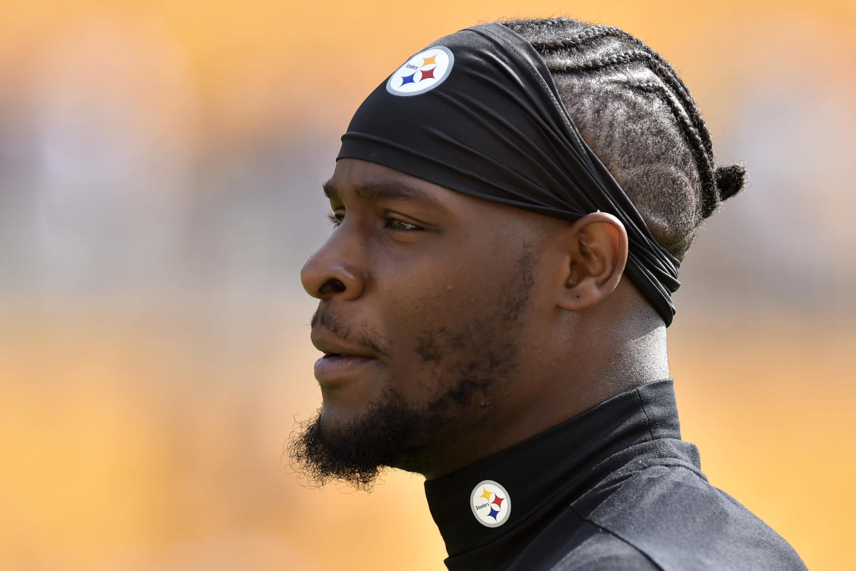 Le'Veon Bell will reportedly rejoin the Steelers during their Week 7 bye. (AP Photo/Don Wright)