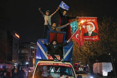Turkish opposition urges cancellation of referendum result