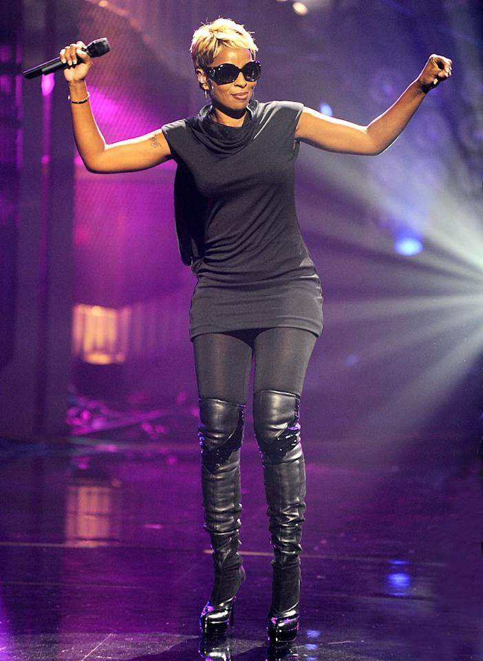 "The ""queen of hip-hop soul,"" Mary J. Blige, performed ""You're All I Need"" with Method Man. Frank Micelotta/<a href=""http://www.gettyimages.com/"" target=""new"">GettyImages.com</a> - September 23, 2009"