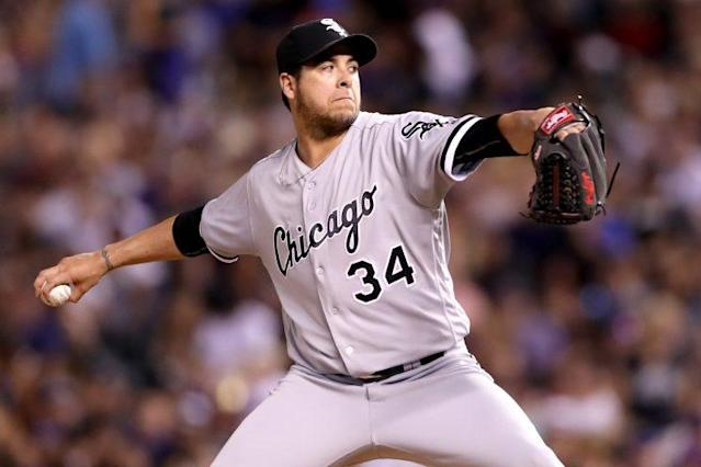 Anthony Swarzak will help stabilize the Brewers' bullpen. (Getty Images)