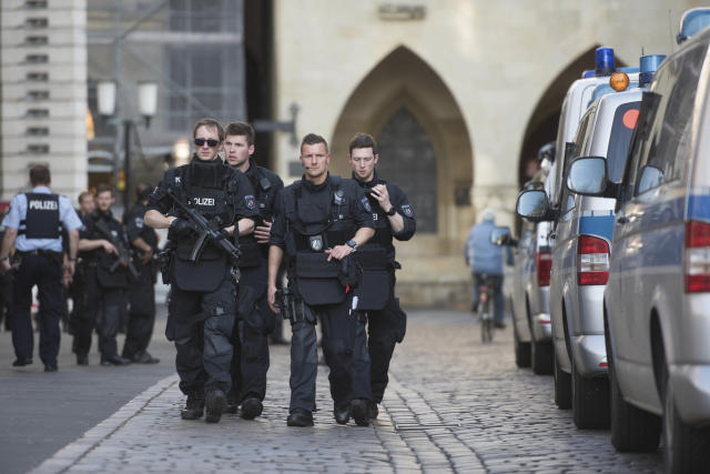 <p>Police guards in downtown Muenster, Garmany, Saturday, April 7, 2018. (Photo: Bernd Thissen/dpa via AP) </p>