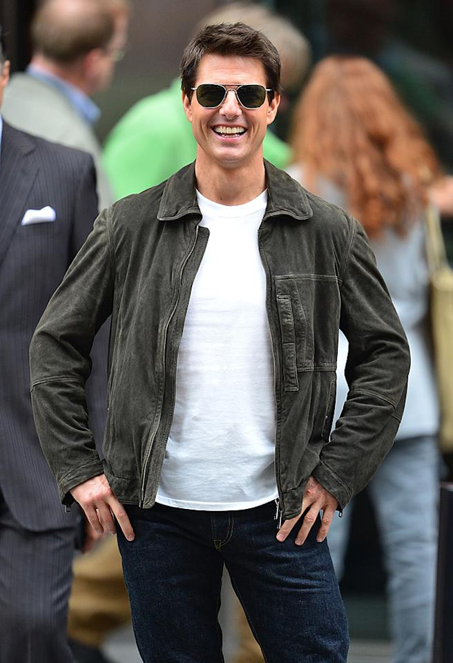 NEW YORK, NY - JUNE 12:  Tom Cruise filming on location for 'Oblivion' on June 12, 2012 in New York City.  (Photo by James Devaney/WireImage)