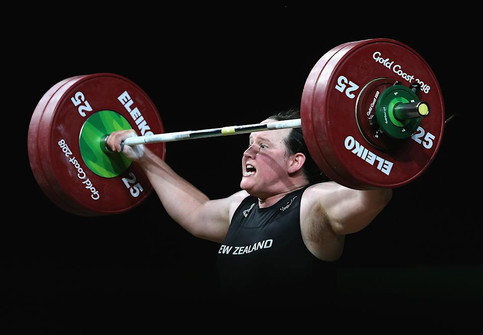 Laurel Hubbard fails to lift leading to an injury in the Women's 90kg Final.