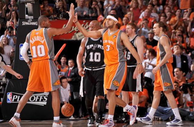 """The recently returned Jared Dudley and <a class=""""link rapid-noclick-resp"""" href=""""/nba/players/3731/"""" data-ylk=""""slk:Leandro Barbosa"""">Leandro Barbosa</a>, seen here wearing """"Los Suns"""" jerseys in 2010, will play two games for Phoenix in Mexico City this coming season. (Jesse D. Garrabrant/Getty Images)"""